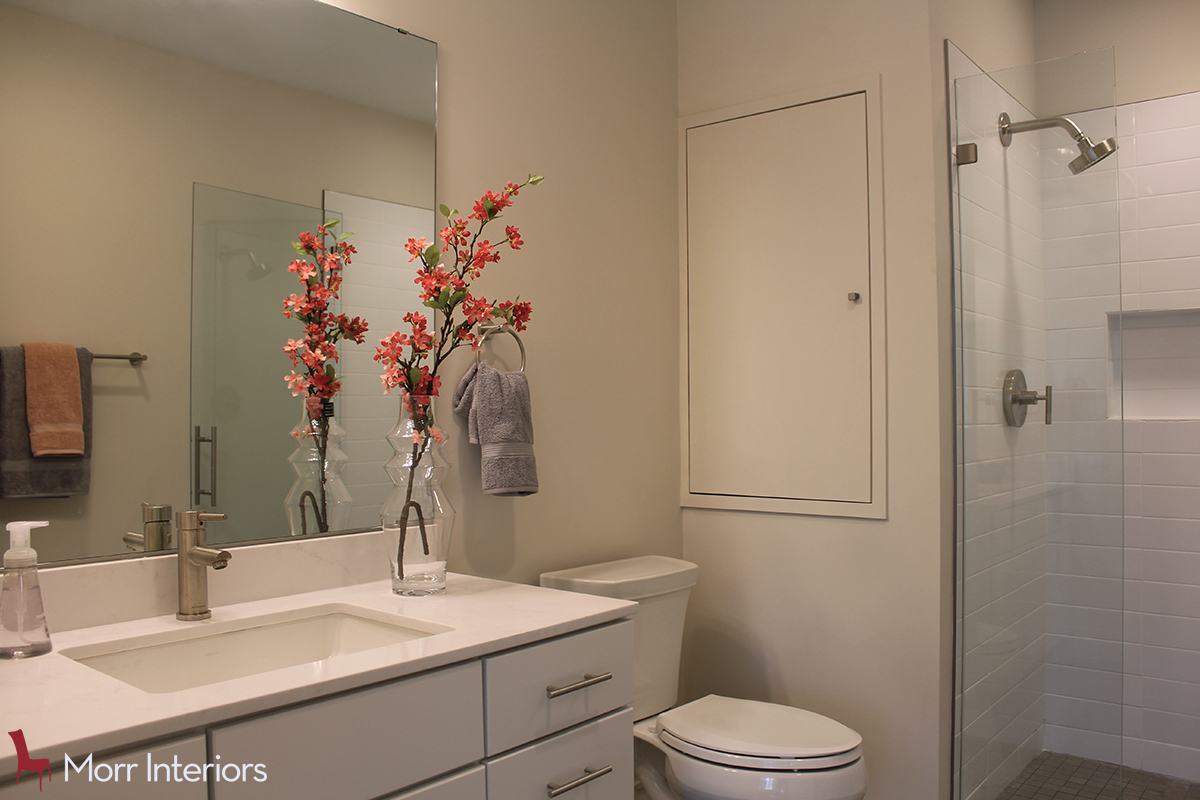320 Maverick at Jeffries Point 2 Bedroom Bathroom Counter